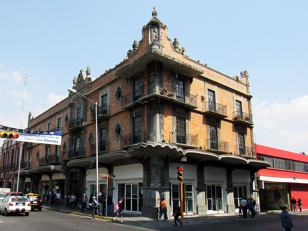 Pretty building in Puebla