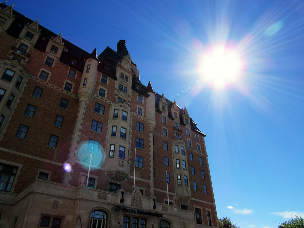 Delta Bessborough front of hotel