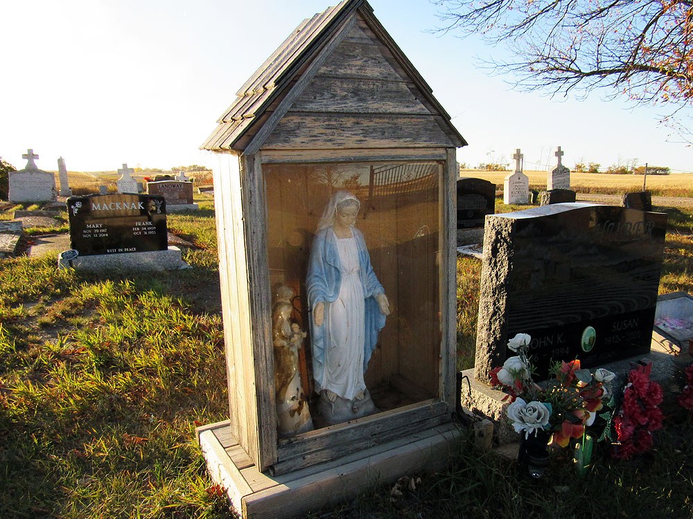 St. Henry's Kronsberg Cemetery Mary statue