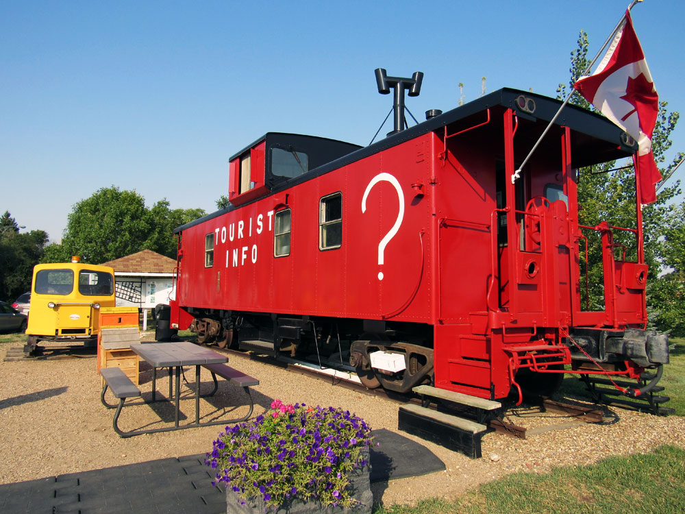 Red Caboose Information Centre in Leader